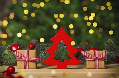 christmas-tree-gifs-wooden-floor-260nw-753415594